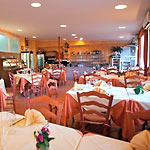 The dining room of Capri's Lo Sfizio Restaurant